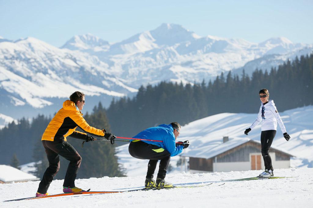 Exercices lors d'une séance de Ski de Fond pour séniors