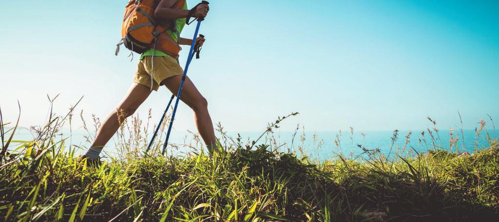 Les avantages de marcher avec des bâtons